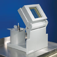 Compact L-Block Shield with built-in Dose Calibrator Shield
